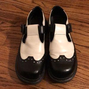 Vintage Dr Martens Mary Janes - size 7 UK/9 US